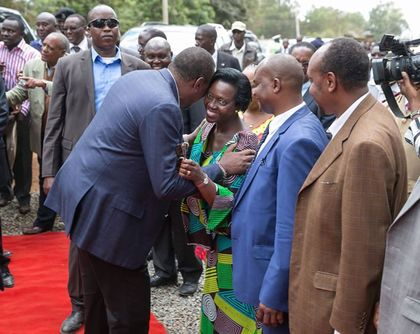 Kenyatta and Odinga vow to work out differences