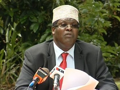 Miguna Miguna refuses to fill citizenship forms at JKIA in Nairobi