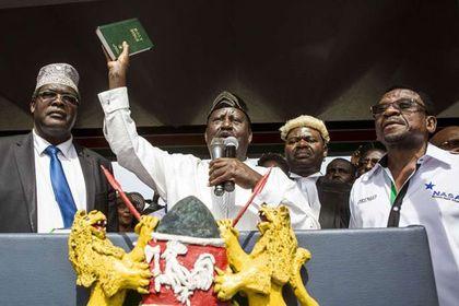 Uhuru motorcade met by protesters in London